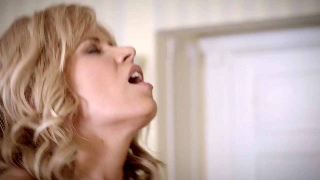 Kim dickens rides a guy in sons of anarchy scandalplanet 10