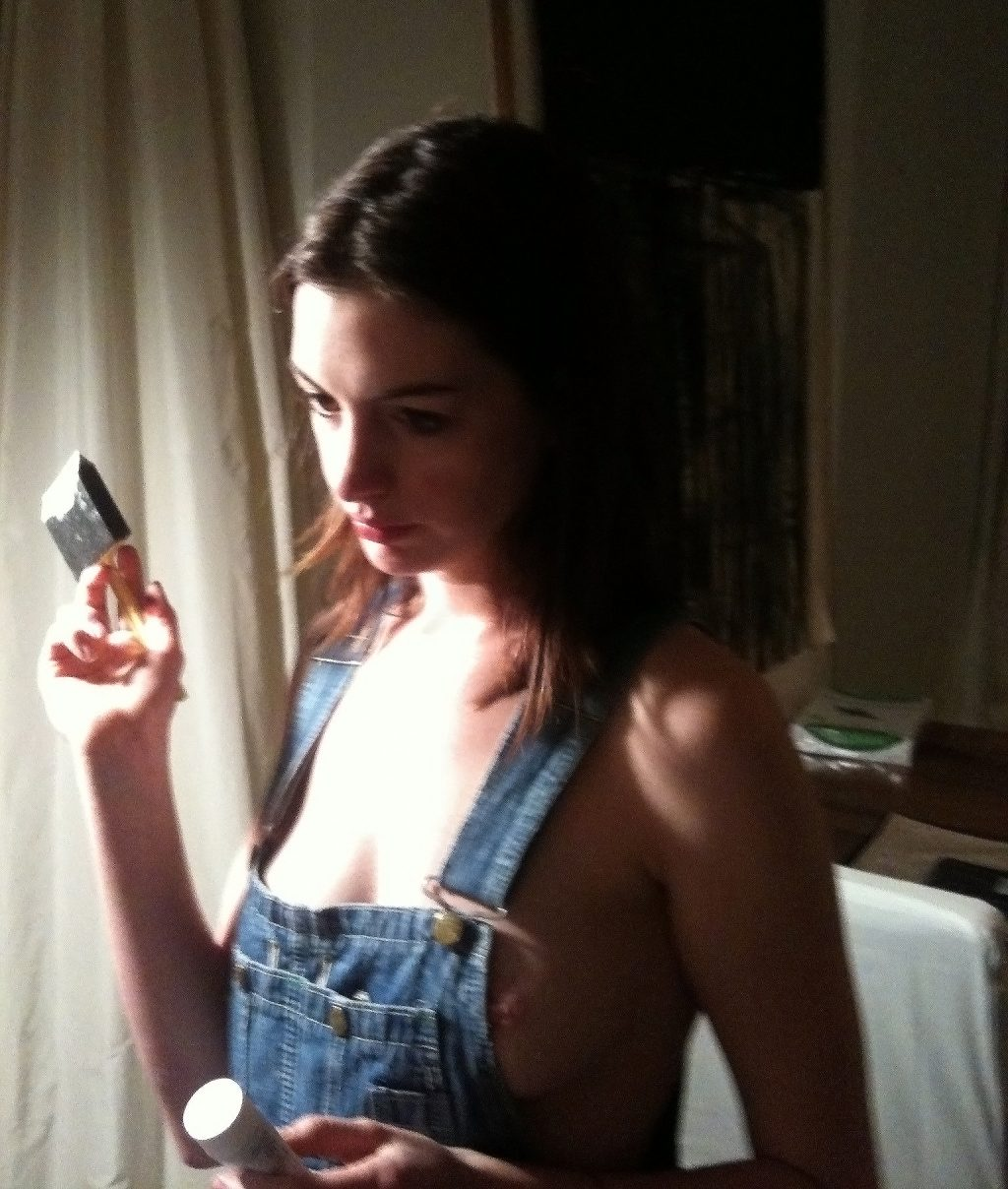 Leaked Anne Hathaway Nude Pics From Private Icloud-6568
