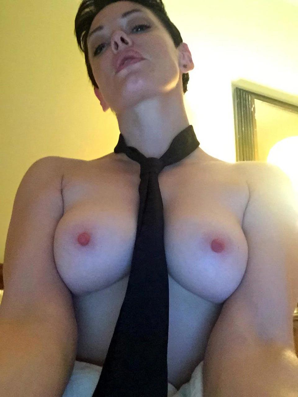 Rose mcgowan nude tits pics