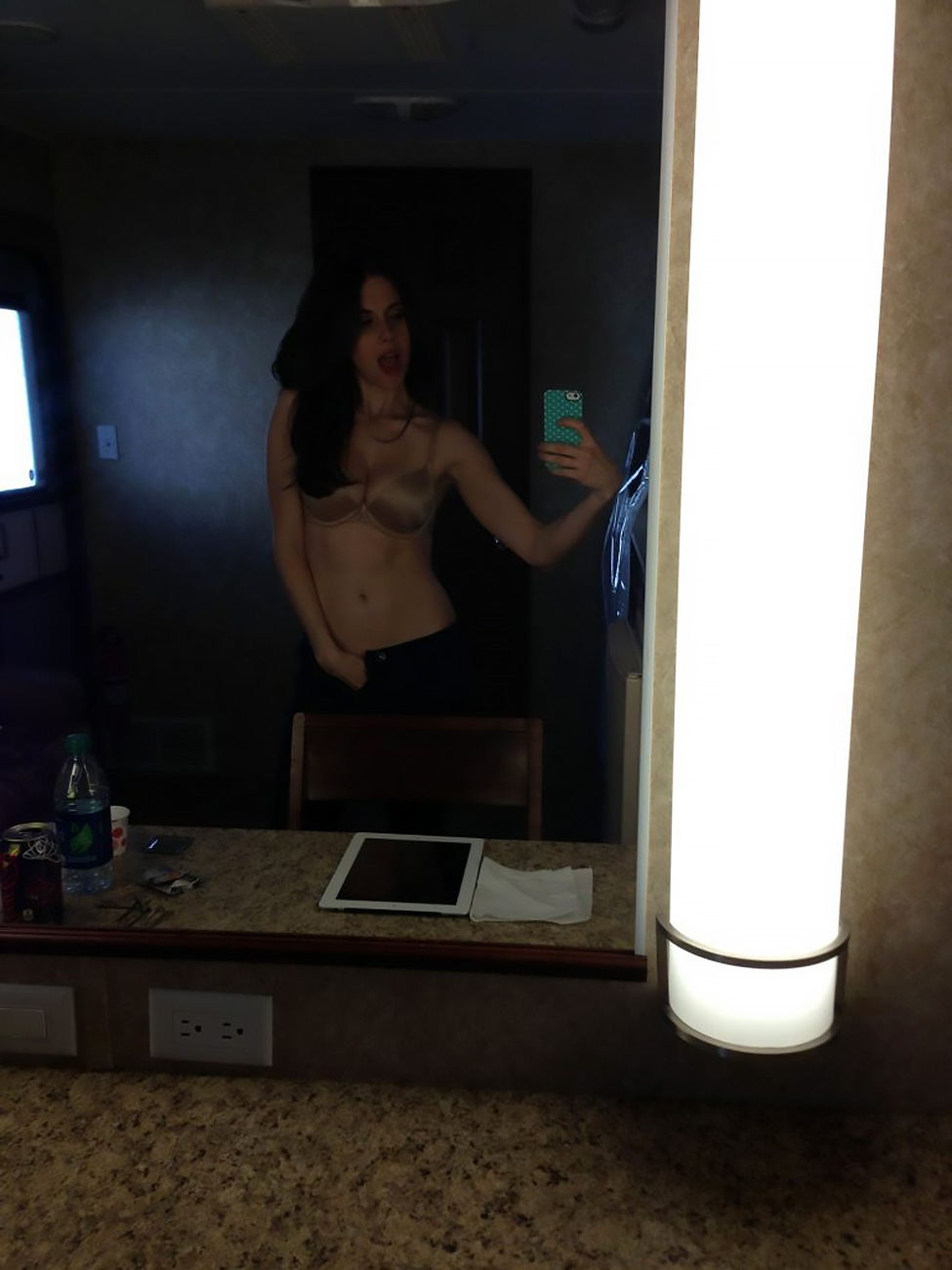 Alison Brie nude leaked tits