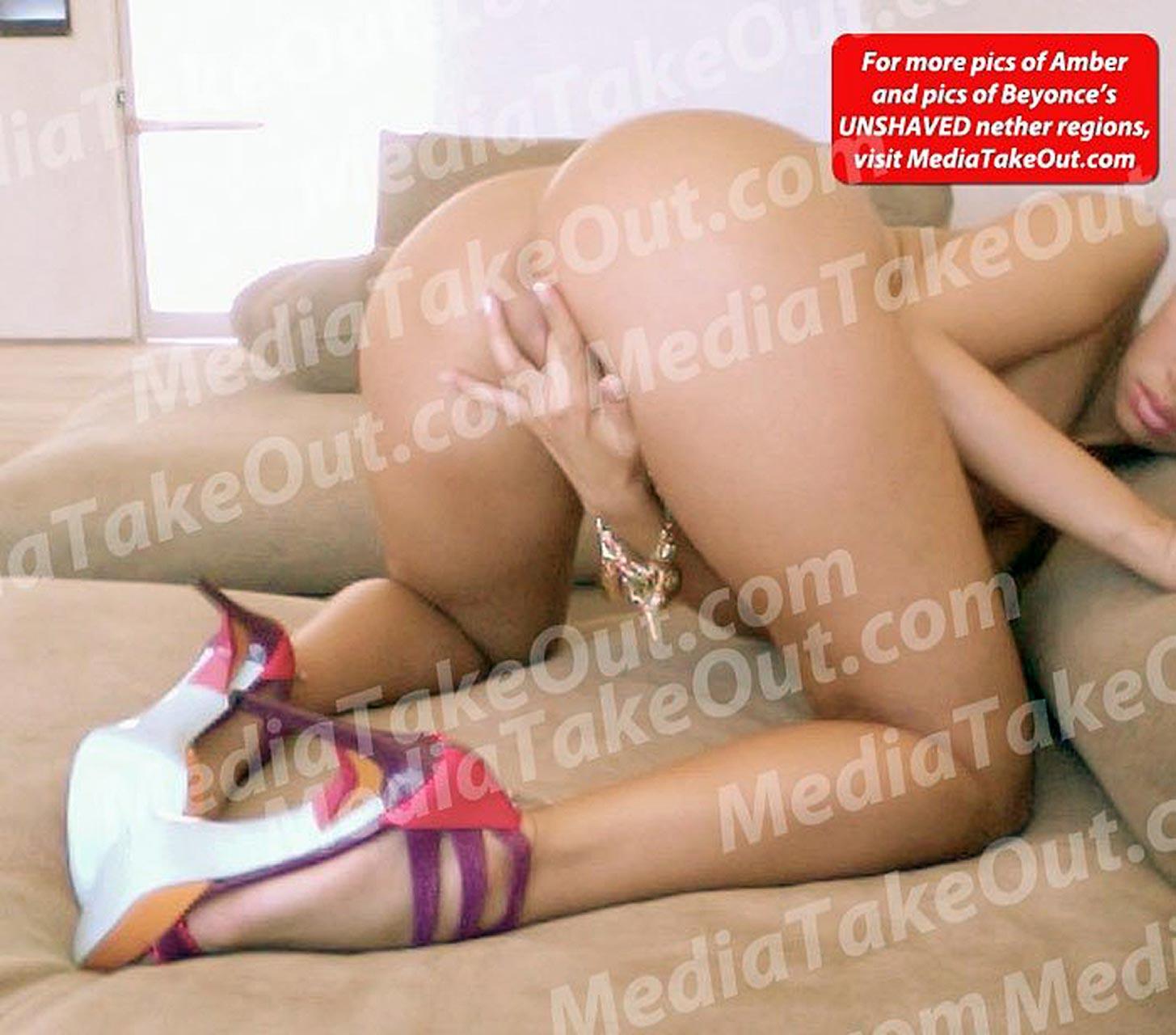 hot khloe kardashian naked