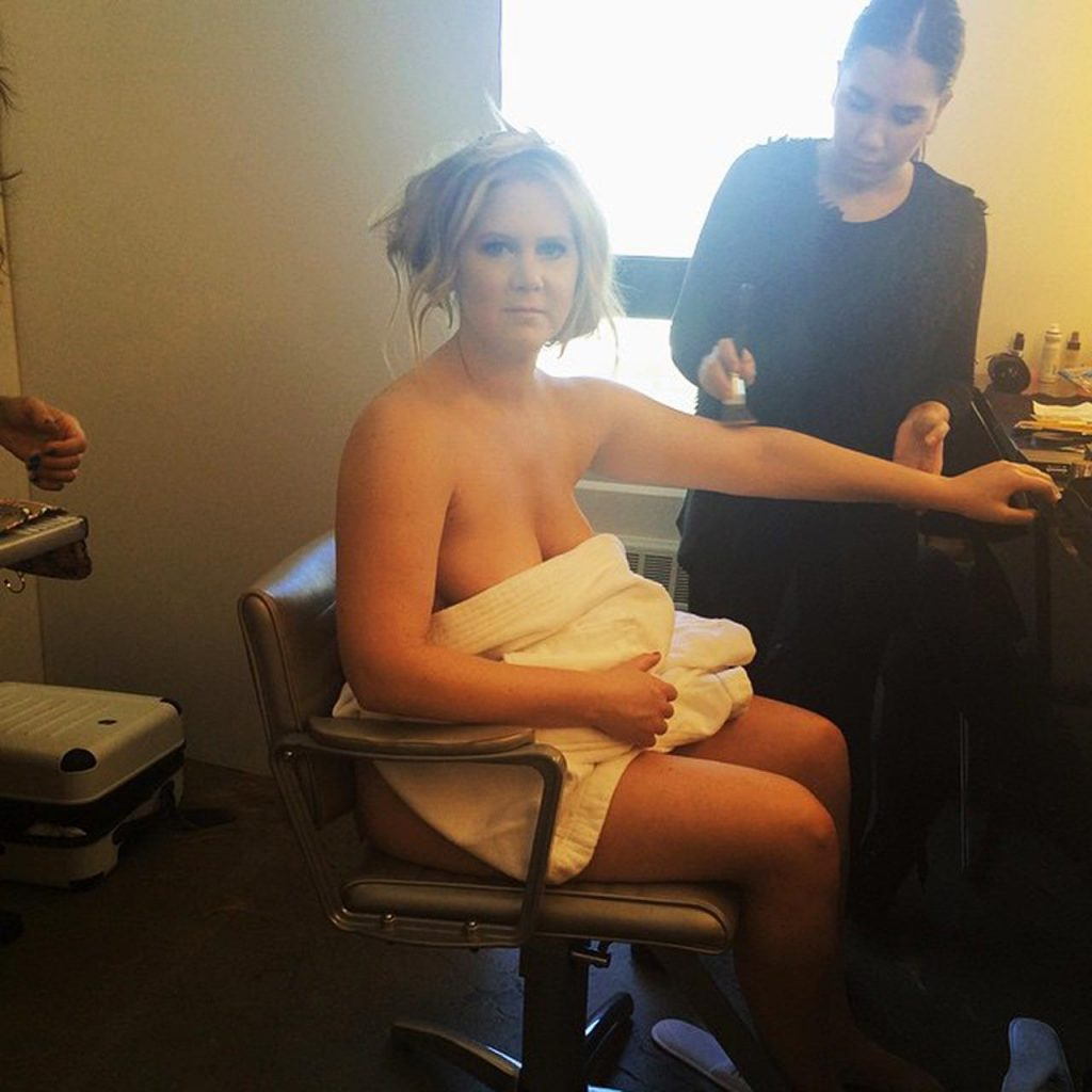 Amy Schumer Nude Scene topless scene! i adore this