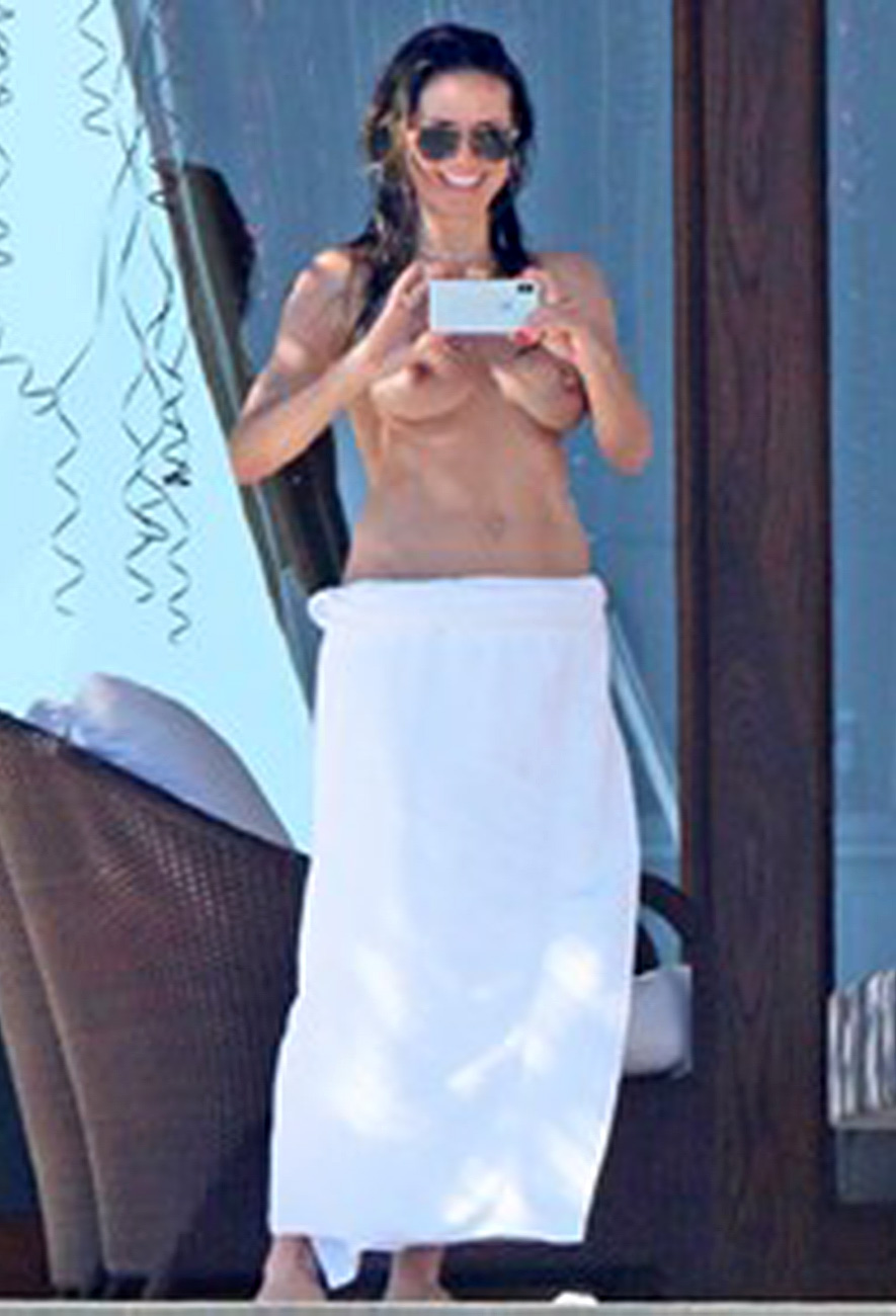 Heidi Klum Topless On Swimming Pool - Scandalpost-8551