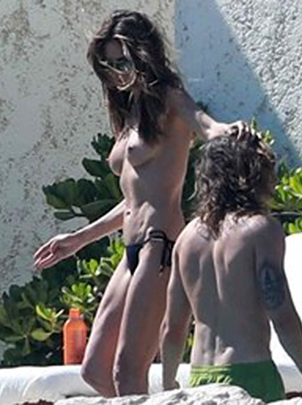 Heidi Klum Topless On Swimming Pool Scandalpost