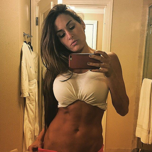 nikki bella nacked