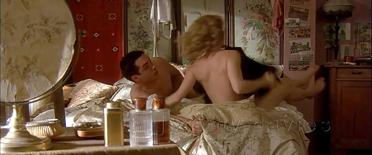 investigating-sex-movie-wife-fucks-husband-home-movies