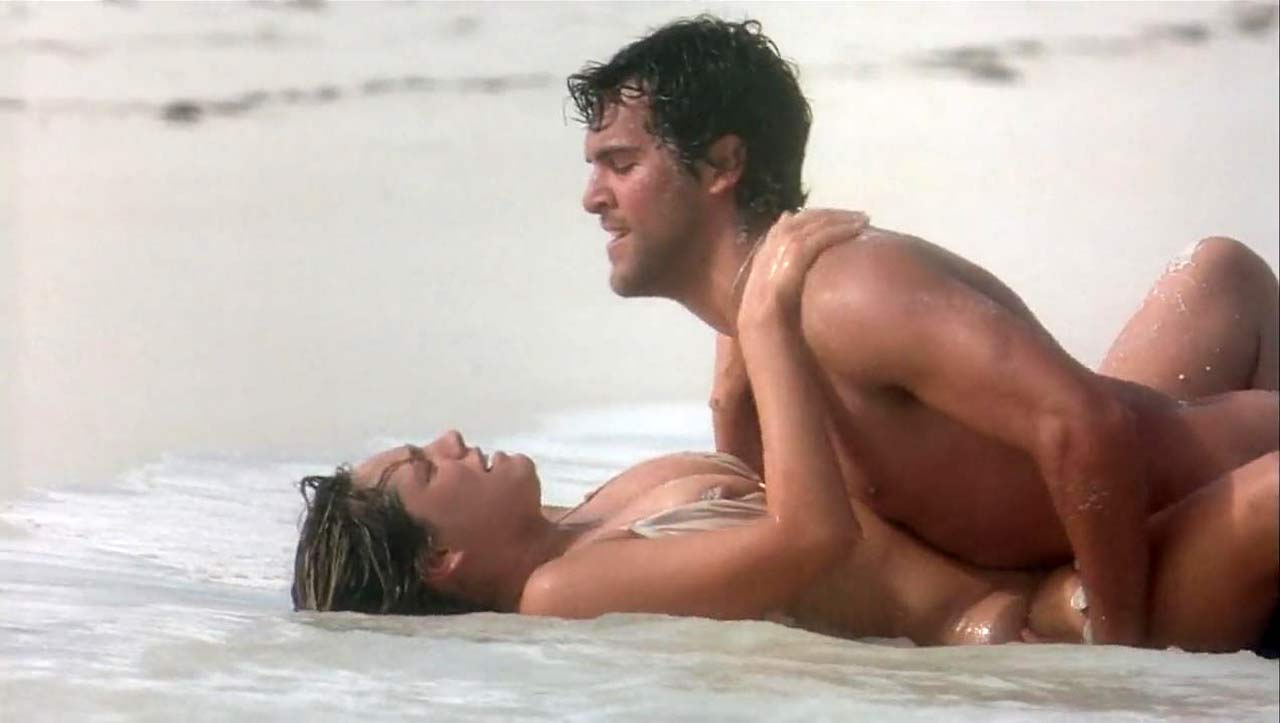 Kelly Brook Sex Scene On The Beach - Scandalpost-3459