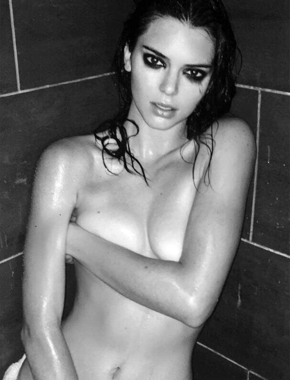 Kendall Jenner Topless Photos