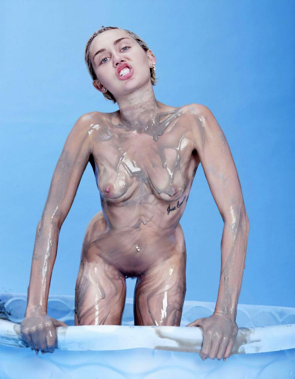 Miley Cyrus Nude Pussy For Plastic Magazine - Scandalpost-6074