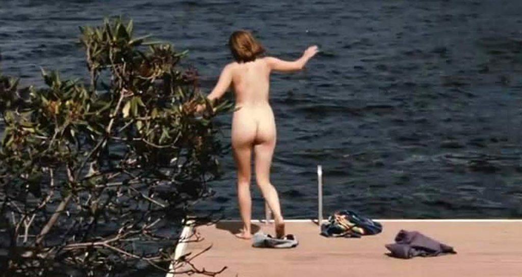 elizabeth olsen naked scene from martha marcy may marlene