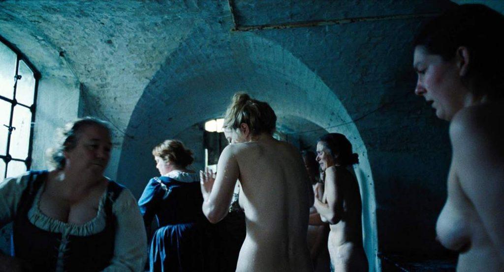 emma stone the favourite nude