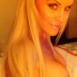 Jenny McCarthy nude boobs