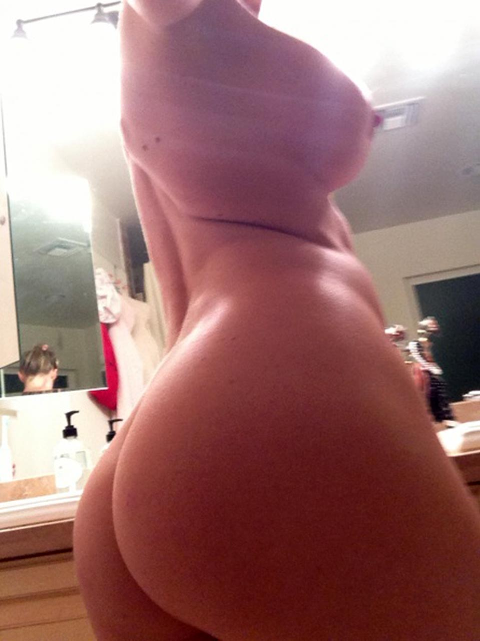 Jenny McCarthy naked ass and pussy