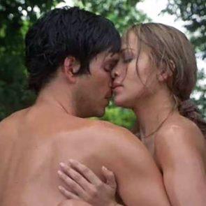 Jennifer Lopez nude and wet