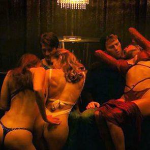 Jennifer Lopez nude strippers