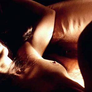 Jennifer Lopez nude nipple