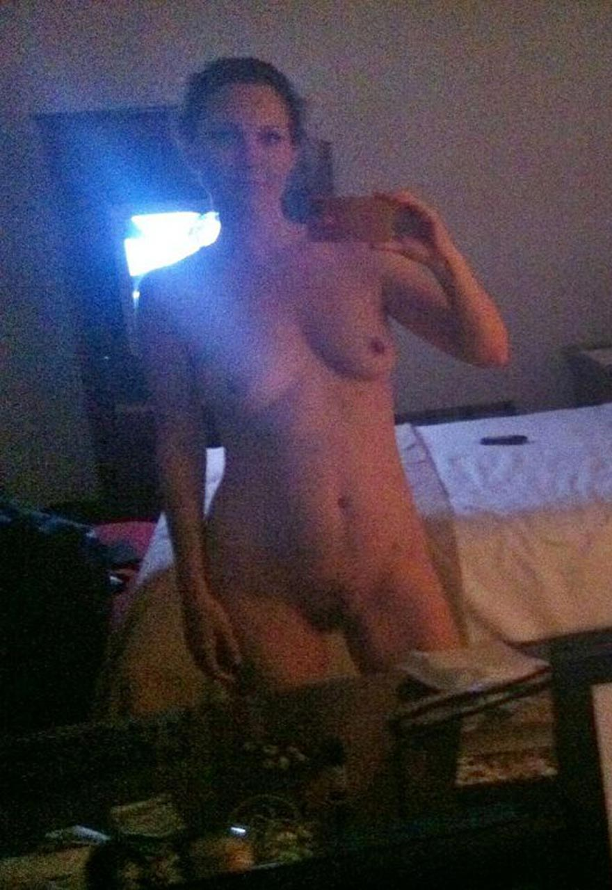 Kelli Williams nude boobs