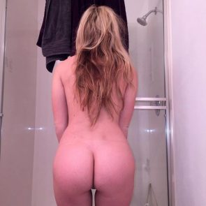 Taylor Mathis nude butt