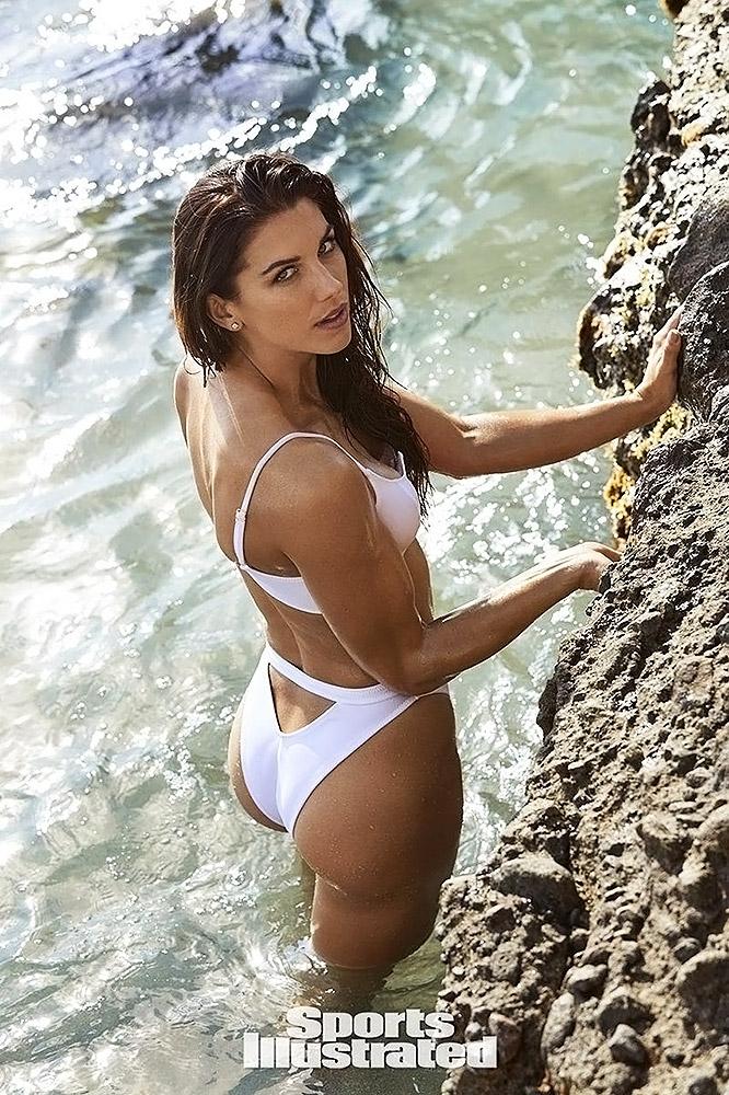 Alex Morgan hot in swimwear