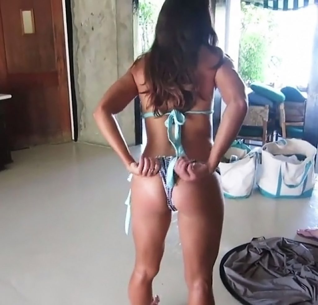 Alex Morgan nude ass
