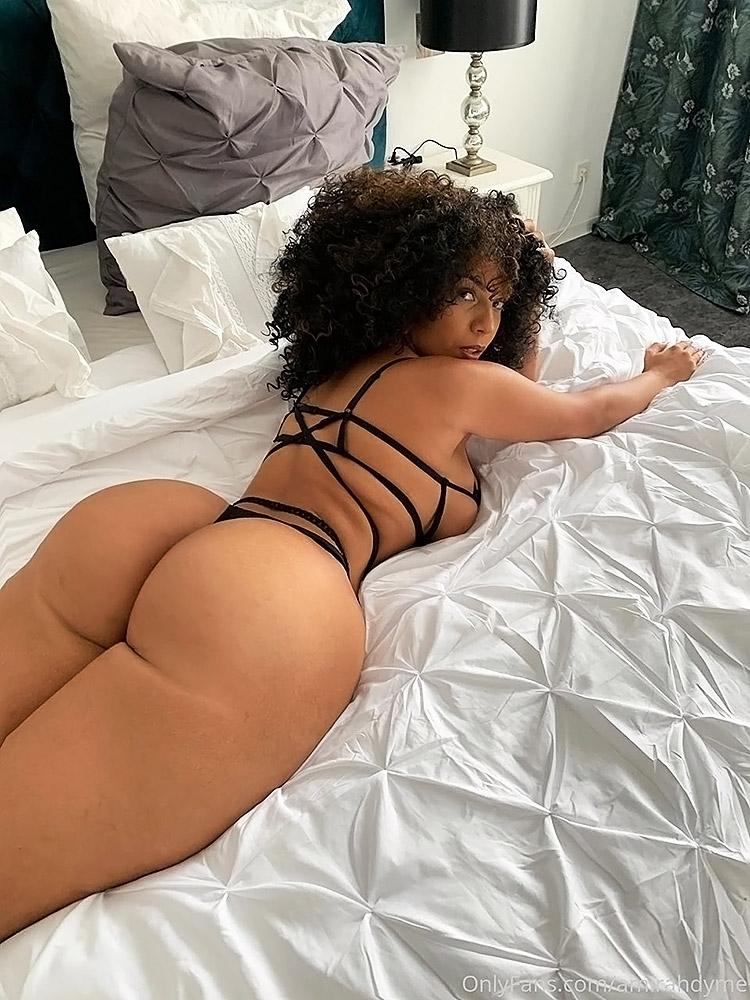 Amirah Dyme hot lingerie