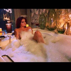 Ariel Winter nude in bath tub