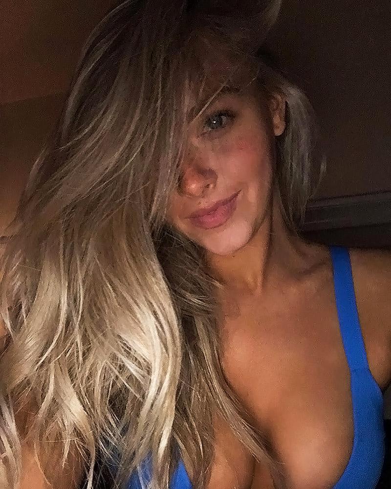 Camille Kostek selfies