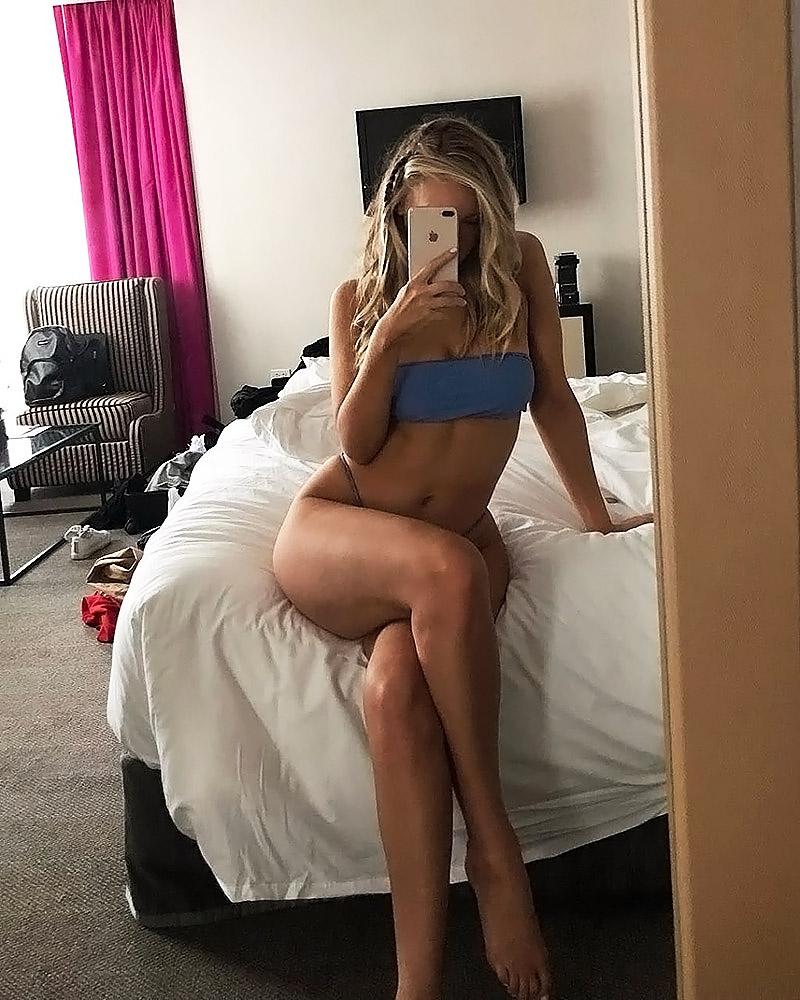 Camille Kostek mirror selfie
