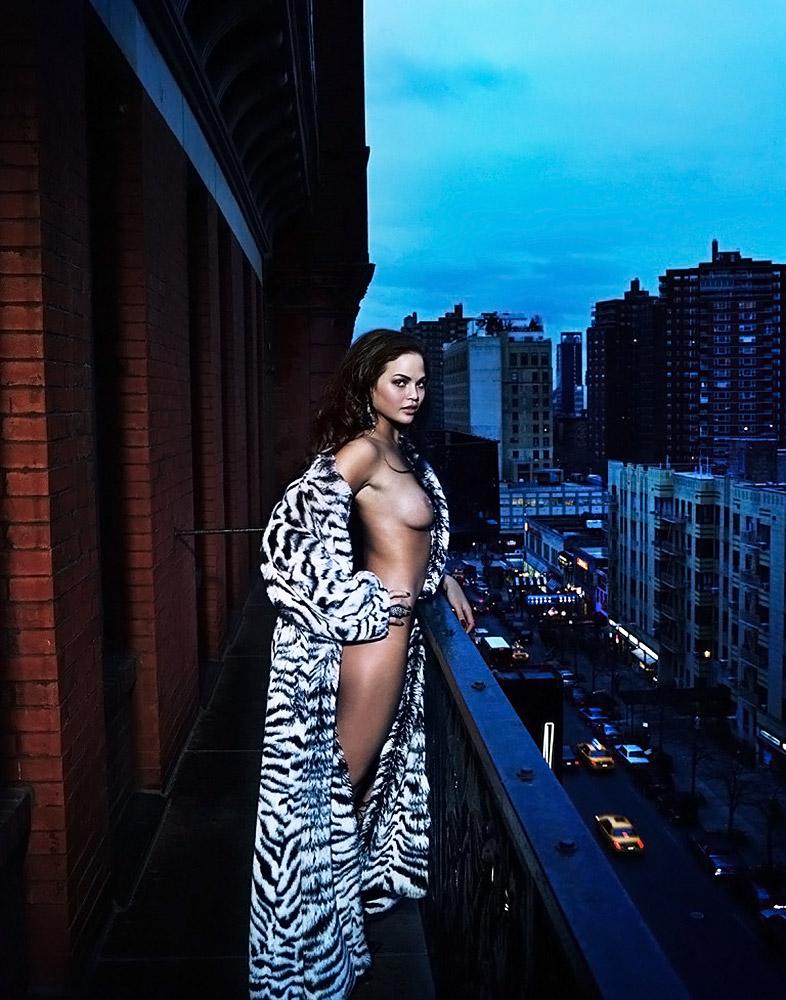 Chrissy Teigen naked breasts