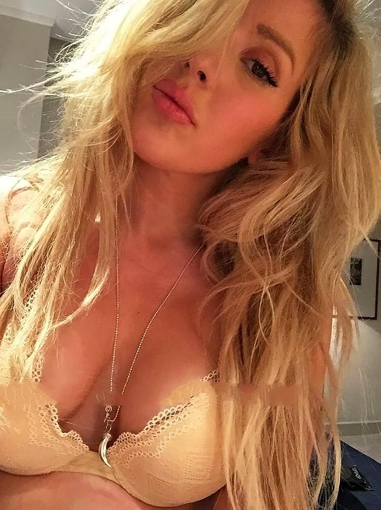 Ellie Goulding hot cleavage