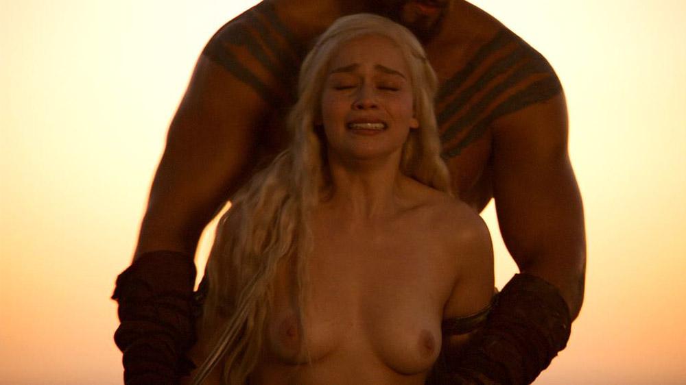 Emilia Clarke sex scene