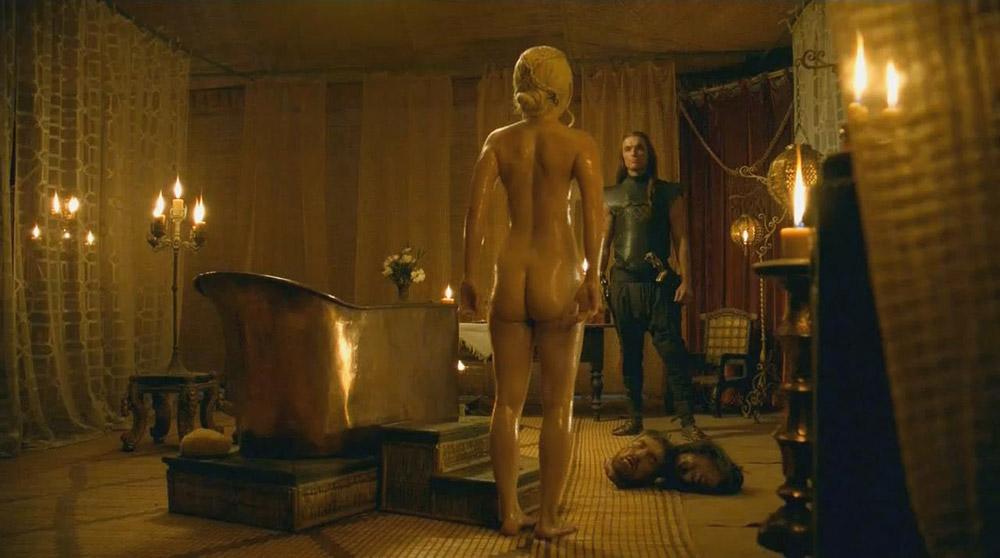 Emilia Clarke naked ass