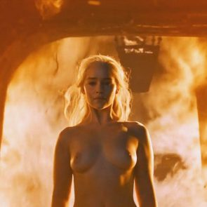 Emilia Clarke naked boobs