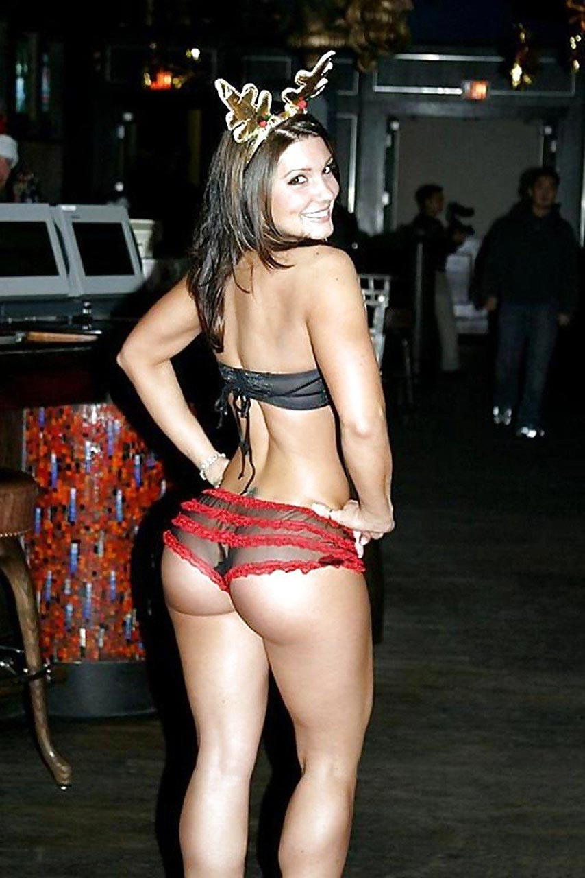 Gina Carano naked butt