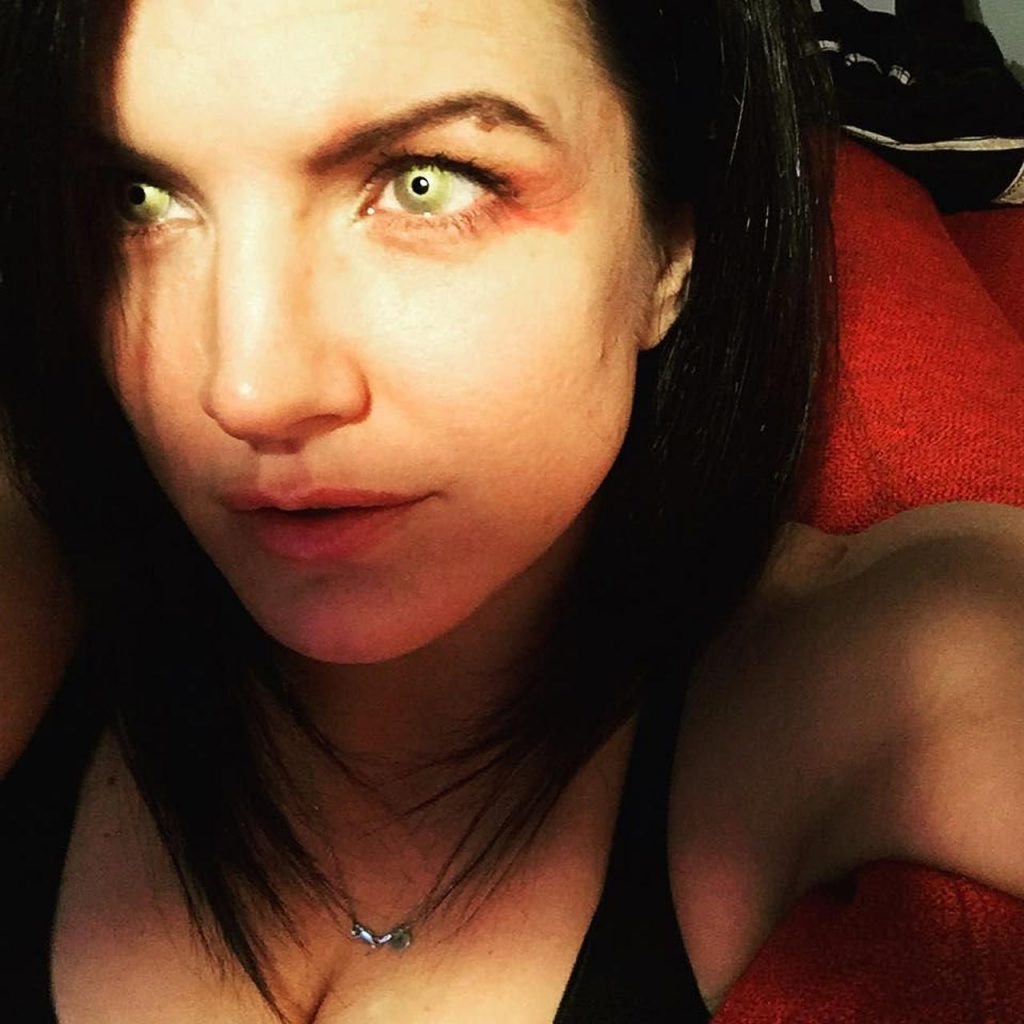 Gina Carano green eyes