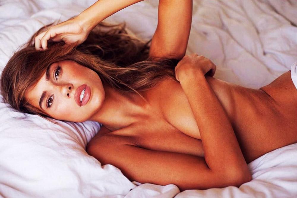 Kara Del Toro covering boobs