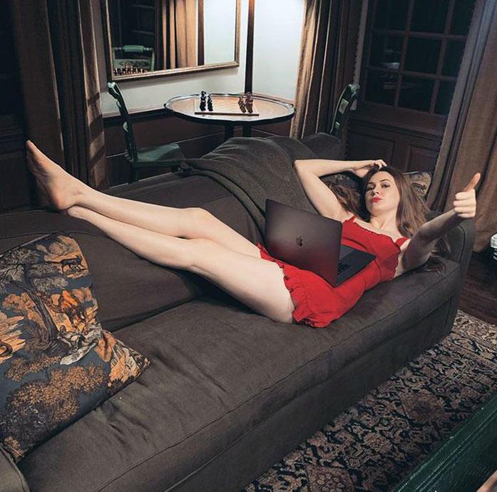 Karen Gillan feet