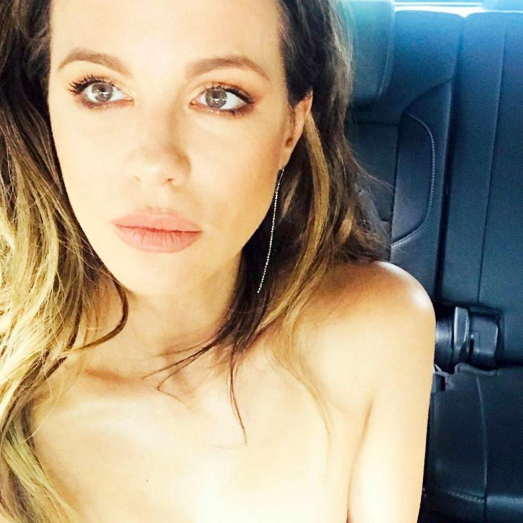Kate Beckinsale nude selfie
