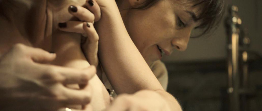 Kirsten Dunst naked breasts