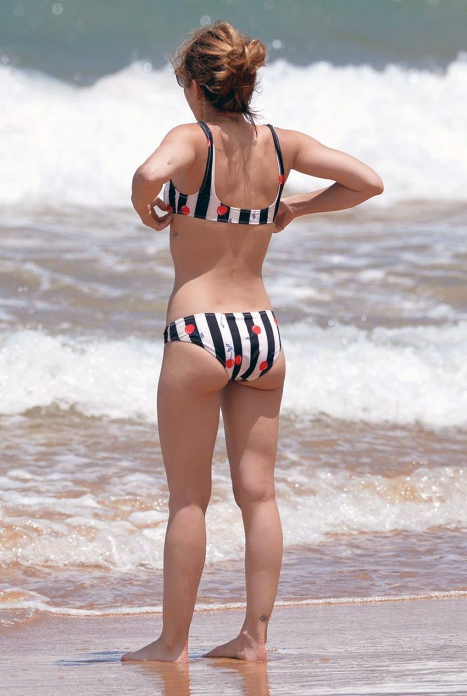 Lucy Hale butt