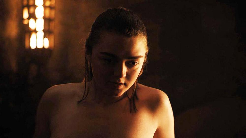 Maisie Williams topless scene