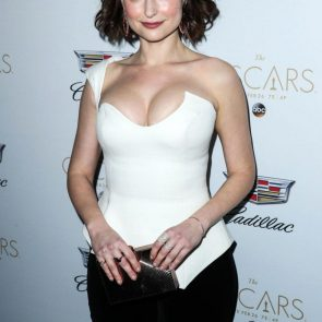 Milana Vayntrub red carpet