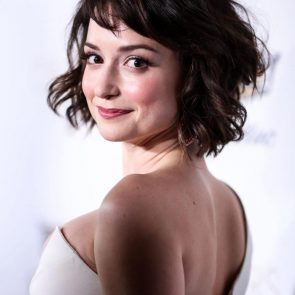 Milana Vayntrub hot