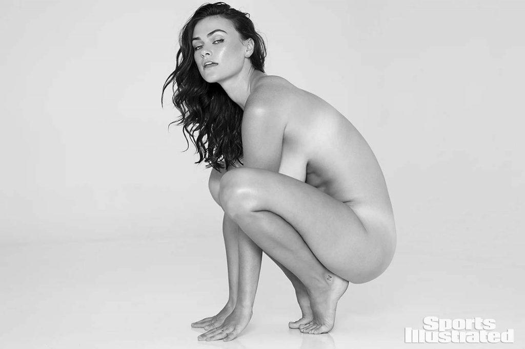 Myla Dalbesio kneeling nude