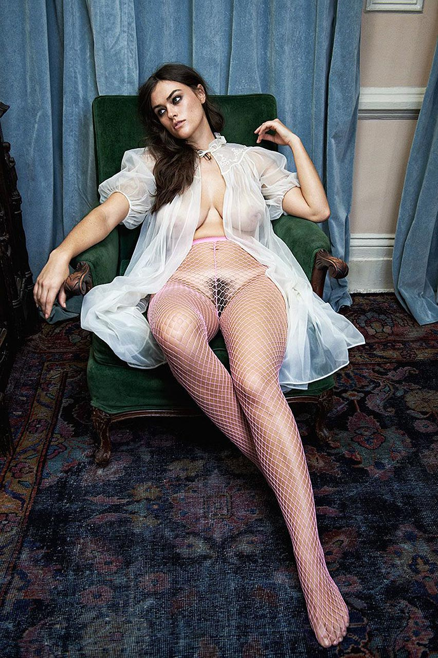 Myla Dalbesio naked pussy