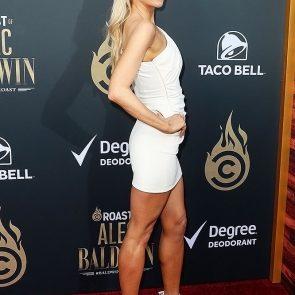 Nikki Glaser sexy body
