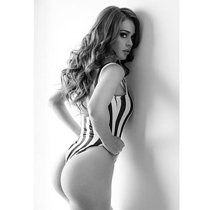 Yanet Garcia hot