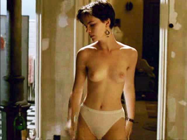 Kate Beckinsale nude tits