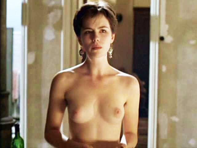 Kate Beckinsale naked boobs and nipples