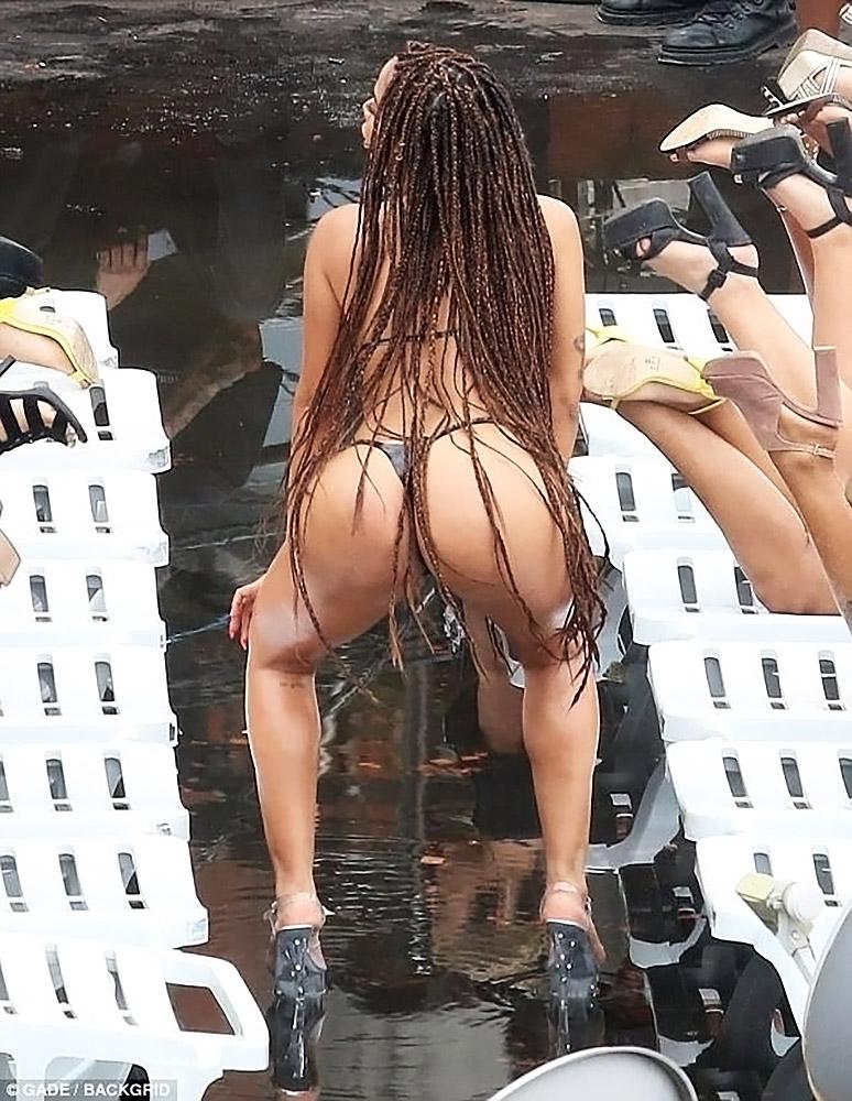 Anitta huge ass
